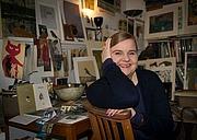Kirjailijan kuva. via Hachette Australia