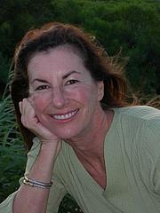 Kirjailijan kuva. via HarperCollins