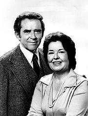 Kirjailijan kuva. wikimedia.org Sada Thompson & James Broderick
