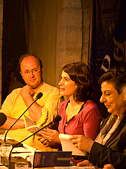"Författarporträtt. PalFest 2008: William Dalrymple, Esther Freud and Dr. Hanan Ashrawi By palfest - <a href=""https://www.flickr.com/photos/palfest/4143663148/"" rel=""nofollow"" target=""_top"">https://www.flickr.com/photos/palfest/4143663148/</a>, CC BY 2.0, <a href=""https://commons.wikimedia.org/w/index.php?curid=14808652"" rel=""nofollow"" target=""_top"">https://commons.wikimedia.org/w/index.php?curid=14808652</a>"