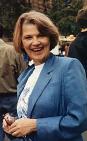 Kirjailijan kuva. photo (c)1993 by Andrew Porter