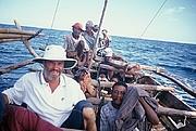 Foto do autor. John David Morley (left) with the fishermen of Lamalera