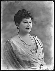Foto de l'autor. Baroness Emma Orczy de Orczi (1865–1947) by Bassano Ltd.