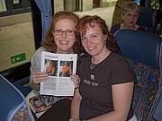 Foto del autor. Rosemary Drysdale (on left)