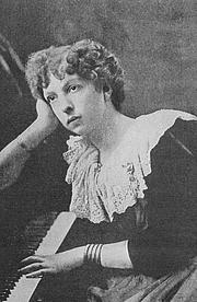 """Fotografia de autor. From """"Woman's Work in Music,"""" Arthur Elson, 1903 <BR>Project Gutenberg"""