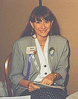 Kirjailijan kuva. Sherry Garland