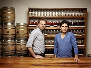 Forfatter foto. David Haskell (right) and Colin Spoelman of Kings County Distillery
