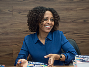 "Photo de l'auteur(-trice). Maaza Mengiste at BookExpo at the Javits Center in New York City, May 2019. By Rhododendrites - Own work, CC BY-SA 4.0, <a href=""https://commons.wikimedia.org/w/index.php?curid=79387571"" rel=""nofollow"" target=""_top"">https://commons.wikimedia.org/w/index.php?curid=79387571</a>"