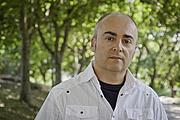 Foto do autor. Antón Riveiro Coello. Photo by Eduardo Castro Bal (Ollo de Vidro-ACAB).