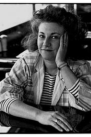 Kirjailijan kuva. Nancy Crampton