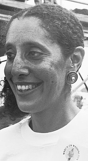 "Författarporträtt. ""Lani Guinier at the 30th anniversary of the Poor People's March on Washington D.C."" by Wikipedia user Smalagodi."