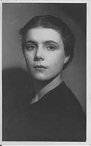 Kirjailijan kuva. Agent's photo for my mother as a young actress, early 1930s
