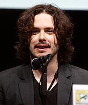 Kirjailijan kuva. wikimedia.org / gageskidmore