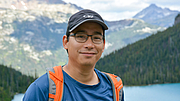 Foto do autor. The author at Upper Joffre Lake. Photo: Sarah Palmer