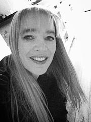 Kirjailijan kuva. Sharon Crabb/from her homepage