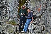 """Foto de l'autor. Robert Bauval (right) and Robert Schoch at the prehistoric cult centre of Belintash (Bulgaria) in 2014. By Filipov Ivo - Own work, CC BY-SA 4.0, <a href=""""//commons.wikimedia.org/w/index.php?curid=34248462"""" rel=""""nofollow"""" target=""""_top"""">https://commons.wikimedia.org/w/index.php?curid=34248462</a>"""