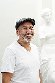 Kirjailijan kuva. imdb
