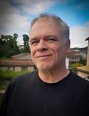 Kirjailijan kuva. Randolph S. Stewart