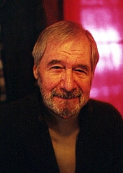 Kirjailijan kuva. James M. Curran