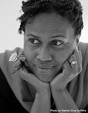 """Fotografia de autor. Photo by Rachel Eliza Griffiths, found at <a href=""""https://www.janiceharrington.com"""" rel=""""nofollow"""" target=""""_top"""">author's website</a>"""