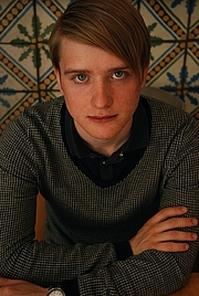 Författarporträtt. Måns Wadensjö foto: Teresa Andrén
