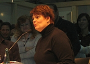"Författarporträtt. Gayle Tufts auf der Leipziger Buchmesse 2006 By User:MueHer - selbst fotografiertFirst upload to de.wp: 14:24, 22. Nov. 2006 by de:User:MueHer, Public Domain, <a href=""https://commons.wikimedia.org/w/index.php?curid=3188280"" rel=""nofollow"" target=""_top"">https://commons.wikimedia.org/w/index.php?curid=3188280</a>"