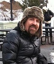 Kirjailijan kuva. Author photo from Amazon author page