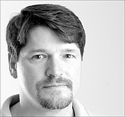 Foto do autor. Bruce Bethka, science fiction author, in 2001. Photo by Oleg Volk