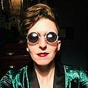 Författarporträtt. Twitter profile photo
