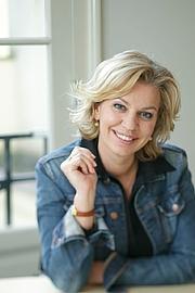 Fotografia de autor. Annejet van der Zijl - Photo: Anja van Wijgerden