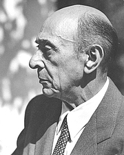 Författarporträtt. Photo by Florence Homolka, Schoenberg Archives at USC. <BR>The archive grants permission to publish this image, provided that the photographer is credited.