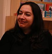 "Forfatter foto. <a href=""https://es.wikipedia.org/wiki/Fernanda_Melchor#/media/Archivo:Fernanda_Melchor-2.jpg"" rel=""nofollow"" target=""_top"">https://es.wikipedia.org/wiki/Fernanda_Melchor#/media/Archivo:Fernanda_Melchor-2...</a>"