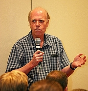 """Fotografia dell'autore. Source: Wikipedia user Waterbug07 (<a href=""""https://en.wikipedia.org/wiki/User:Waterbug07"""" rel=""""nofollow"""" target=""""_top"""">https://en.wikipedia.org/wiki/User:Waterbug07</a>)"""