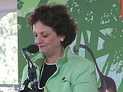 """Forfatter foto. Sally Bedell Smith at the 2012 National Book Festival By Slowking4 - Own work, GFDL 1.2, <a href=""""https://commons.wikimedia.org/w/index.php?curid=21582343"""" rel=""""nofollow"""" target=""""_top"""">https://commons.wikimedia.org/w/index.php?curid=21582343</a>"""