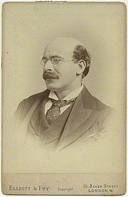 Autoren-Bild. Sir Israel Gollancz in the 1890s [credit: Elliott & Fry]