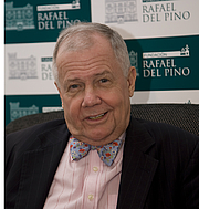 """Kirjailijan kuva. American investor Jim Rogers in Madrid (Spain) during an interview. By FDV - Own work, CC BY-SA 3.0, <a href=""""//commons.wikimedia.org/w/index.php?curid=10684512"""" rel=""""nofollow"""" target=""""_top"""">https://commons.wikimedia.org/w/index.php?curid=10684512</a>"""