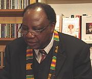 Kirjailijan kuva. Pr. Théophile Obenga