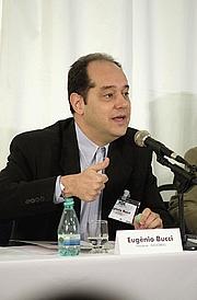 Författarporträtt. Eugênio Bucci (WikiPedia)