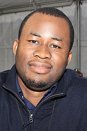 """Fotografia de autor. Author Chigozie Obioma at the 2016 Texas Book Festival. By Larry D. Moore, CC BY-SA 4.0, <a href=""""https://commons.wikimedia.org/w/index.php?curid=53357031"""" rel=""""nofollow"""" target=""""_top"""">https://commons.wikimedia.org/w/index.php?curid=53357031</a>"""