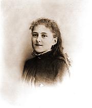 Foto do autor. Thérèse en février 1886 Photographie remise au Carmel en 1917 par la famille de M. Poupet, photographe d'Alençon
