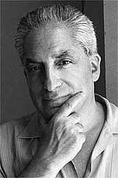 """Författarporträtt. <a href=""""http://www.vjbooks.com/""""> www.vjbooks.com</a>"""