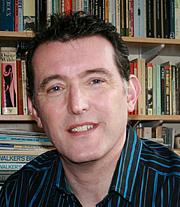 "Fotografia de autor. Andrew Murray Scott, author of ""Bonnie Dundee"" and ""Discovering Dundee"""