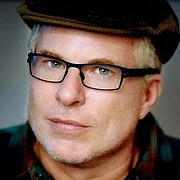 "Fotografia dell'autore. Christopher Ryan <a href=""https://upload.wikimedia.org/wikipedia/commons/8/8e/Dr._Christopher_Ryan.jpg"" rel=""nofollow"" target=""_top"">https://upload.wikimedia.org/wikipedia/commons/8/8e/Dr._Christopher_Ryan.jpg</a>"