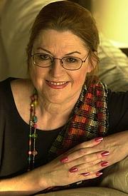 Kirjailijan kuva. Barbara Wood