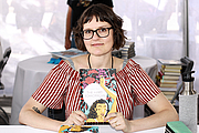 """Forfatter foto. Illustrator Eleanor Davis at the 2019 Texas Book Festival in Austin, Texas, United States. By Larry D. Moore, CC BY-SA 4.0, <a href=""""https://commons.wikimedia.org/w/index.php?curid=84467539"""" rel=""""nofollow"""" target=""""_top"""">https://commons.wikimedia.org/w/index.php?curid=84467539</a>"""
