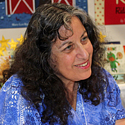 """Kirjailijan kuva. Margarita Engle, a Cuban-American author. By Jeffrey Beall - Own work, CC BY 3.0, <a href=""""https://commons.wikimedia.org/w/index.php?curid=33723489"""" rel=""""nofollow"""" target=""""_top"""">https://commons.wikimedia.org/w/index.php?curid=33723489</a>"""