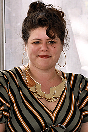 """Forfatter foto. Author Rainbow Rowell at the 2019 Texas Book Festival in Austin, Texas, United States. By Larry D. Moore, CC BY-SA 4.0, <a href=""""https://commons.wikimedia.org/w/index.php?curid=84506213"""" rel=""""nofollow"""" target=""""_top"""">https://commons.wikimedia.org/w/index.php?curid=84506213</a>"""