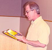 Forfatter foto. Photo by Sheryl H. Eldridge, Newport Oregon Public Library