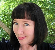 Forfatter foto. Clarissa Johal, author of paranormal, gothic horror and fantasy