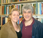 Forfatter foto. Moojan and Wendi Momen from their homepage